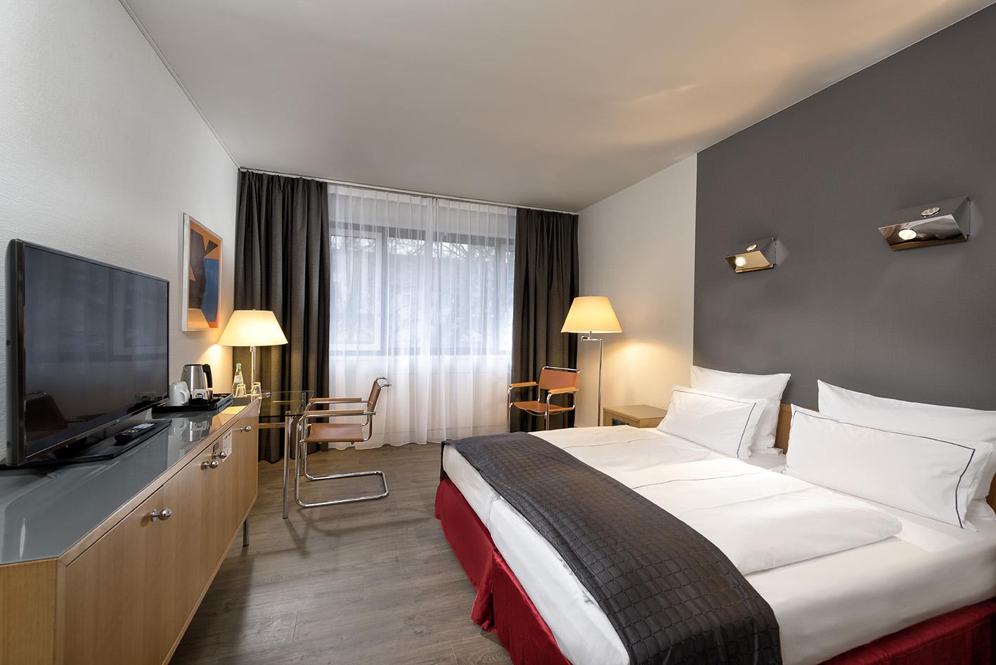 4 hotelzimmer berlin holiday inn hotel berlin city west for Zimmer berlin